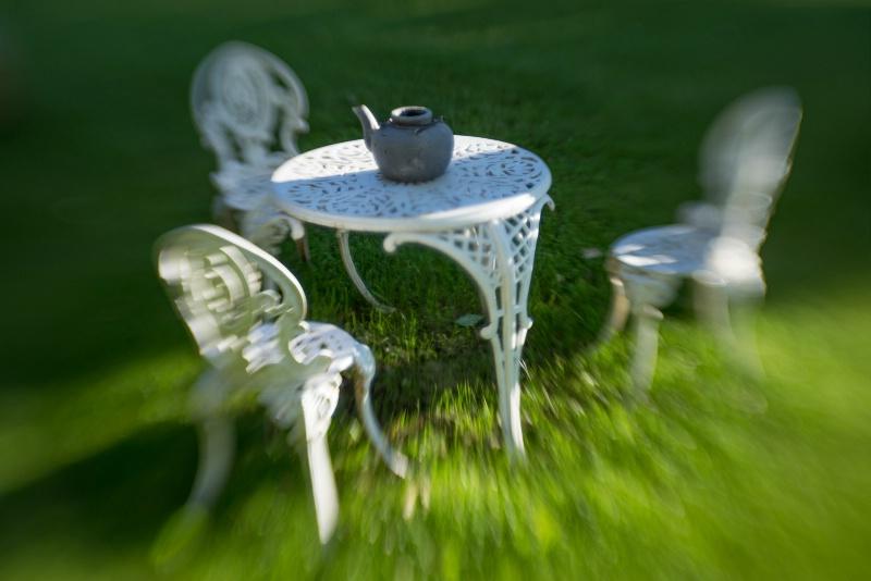 garden seat -    larry citra - ID: 14814479 © Larry J. Citra