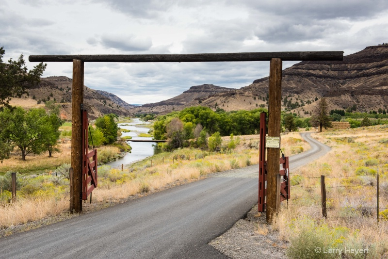 The Painted Hills of Oregon - ID: 14994535 © Larry Heyert