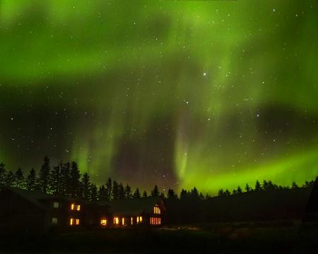 Photography Contest Grand Prize Winner - November 2015: Aurora Over the Bear Track Inn