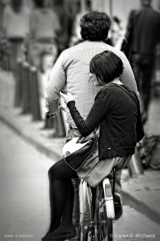 fashionista hitching a ride - ID: 15067752 © Karen E. Michaels