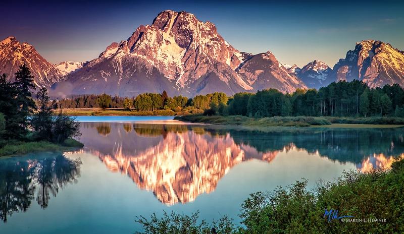 Mt. Moran Sunrise - Grand Teton National Park - ID: 15178058 © Martin L. Heavner
