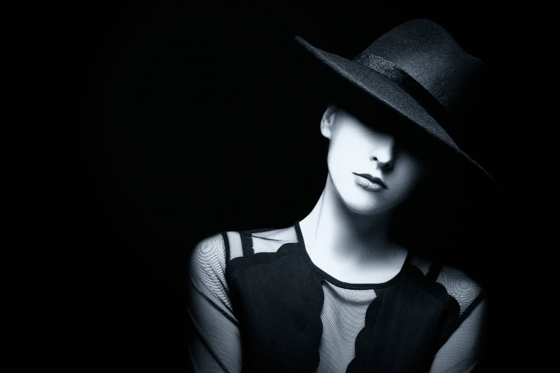 Light and Shadow under the hat