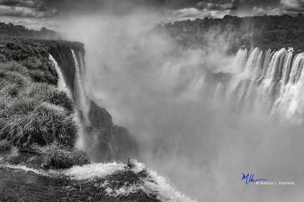 Iguazu Thunder - Argentina - ID: 15327650 © Martin L. Heavner
