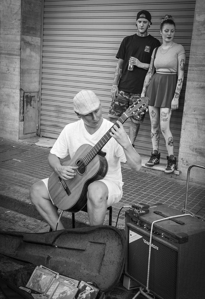 San Telmo Street Musician - Buenos Aires - ID: 15327992 © Martin L. Heavner