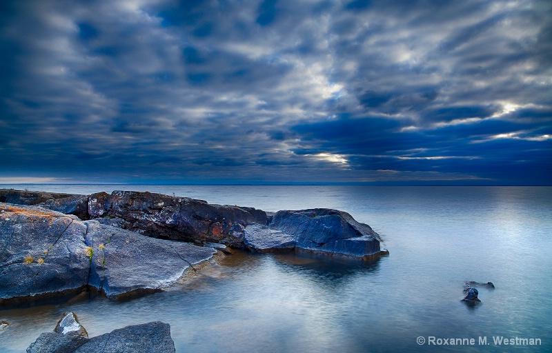Morning blues - ID: 15333699 © Roxanne M. Westman