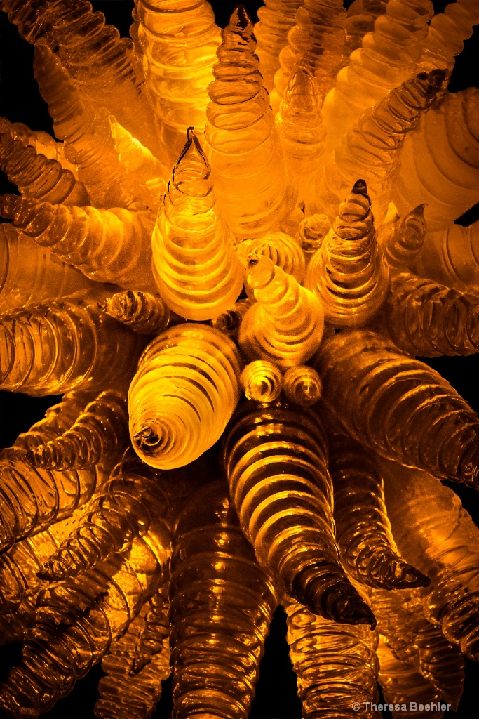 Touch of Gold - blown glass - ID: 15342034 © Theresa Beehler