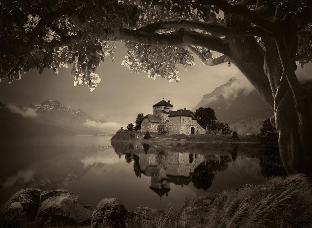 Lake Reflection - ID: 15378327 © Denny E. Barnes