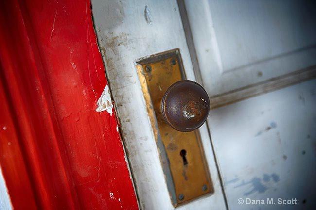 Old Door - ID: 15424988 © Dana M. Scott