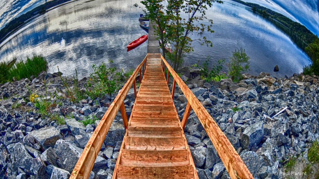 The long stairs - ID: 15457966 © paul parent