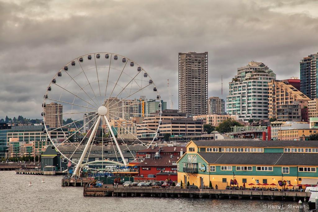 Seattl Ferris Wheel - ID: 15461396 © Kerry L. Stewart