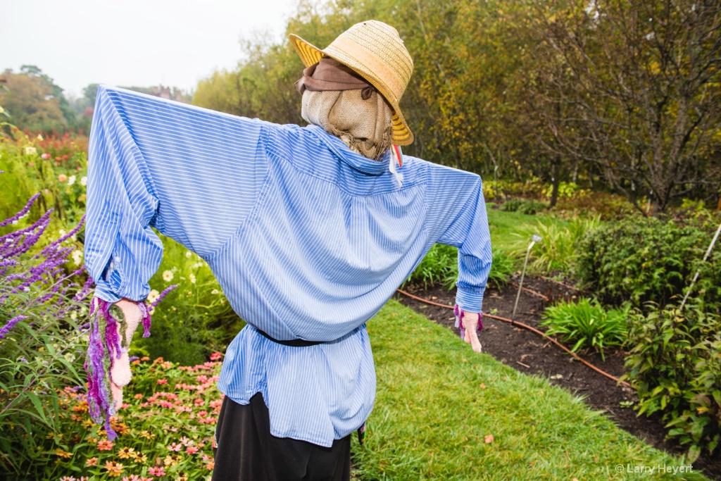 Scarecrow- Stan Hywet Gardens - ID: 15471625 © Larry Heyert