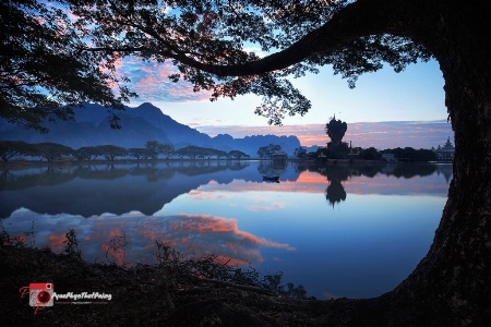 Photography Contest Grand Prize Winner - October 2017: Morning light reflection