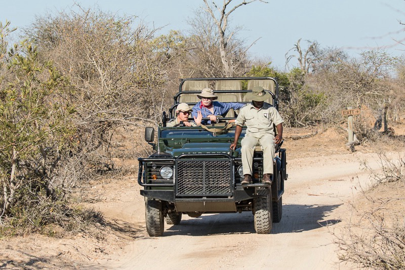 Tanda Tula Camp - Safari Vehicle - ID: 15483625 © Paul Knupp