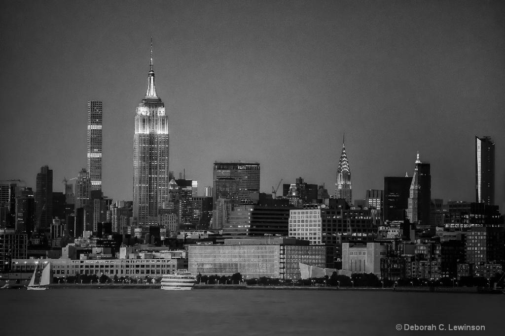 NYC - ID: 15529942 © Deborah C. Lewinson