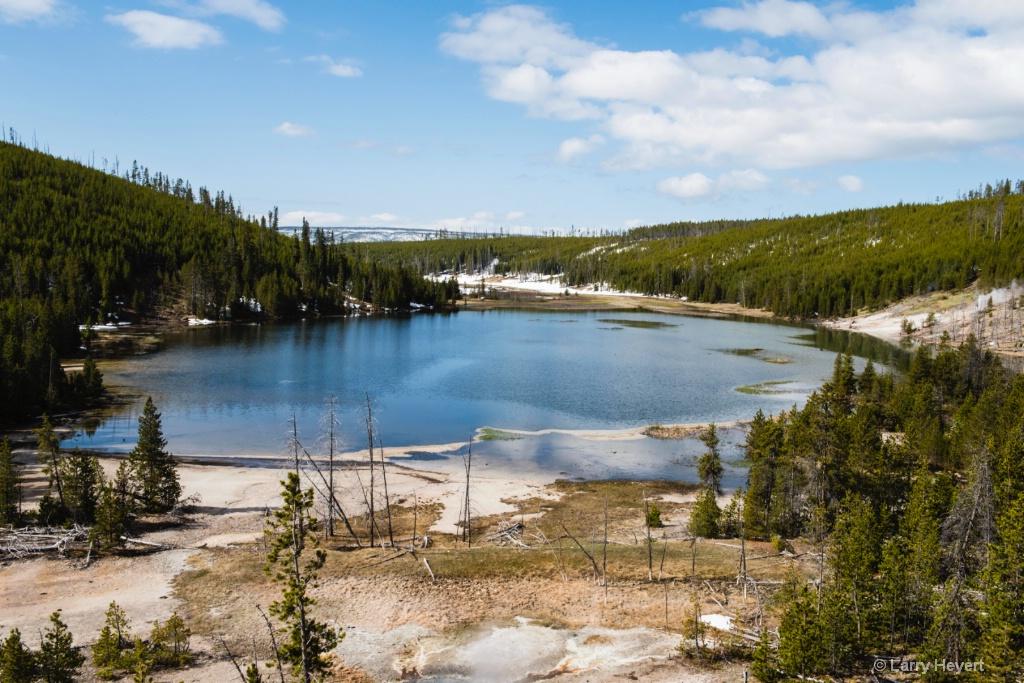 Yellowstone National Park - ID: 15574147 © Larry Heyert