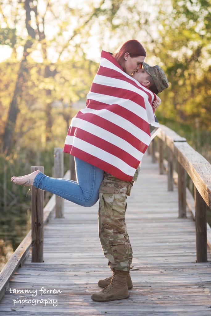 ~~  Patriotic Kiss  ~~