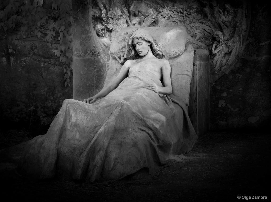 Dreaming of Angels - ID: 15661725 © Olga Zamora