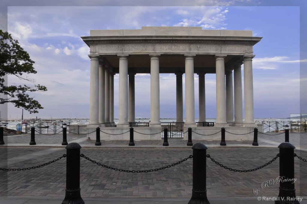 Plymouth Rock Memorial - ID: 15670520 © Randall V. Rainey