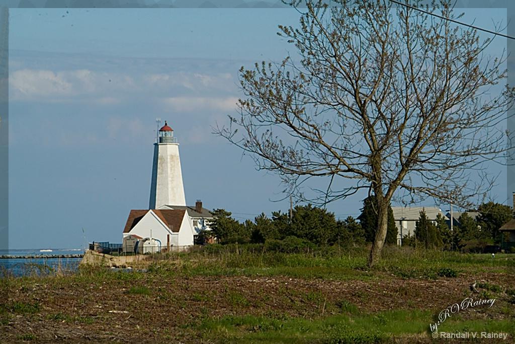 Old Saybrook Lighthouse . . . - ID: 15699806 © Randall V. Rainey