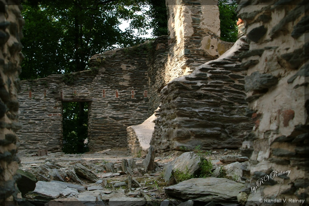 The old Harpers Ferry Ruins . . . - ID: 15707308 © Randall V. Rainey